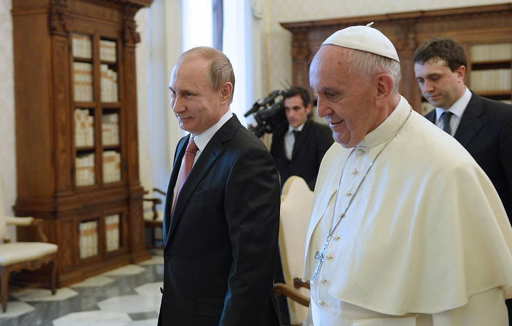Putin to meet pope, Italian leaders on one-day visit to Rome