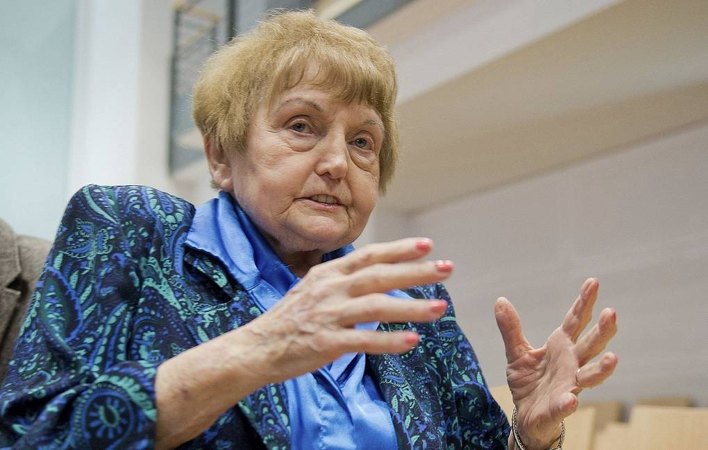 Eva Kor: Survivor of Auschwitz doctor Mengele, dies in Poland