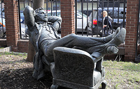 "A monument titled ""Resting Pushkin"" in Moscow"