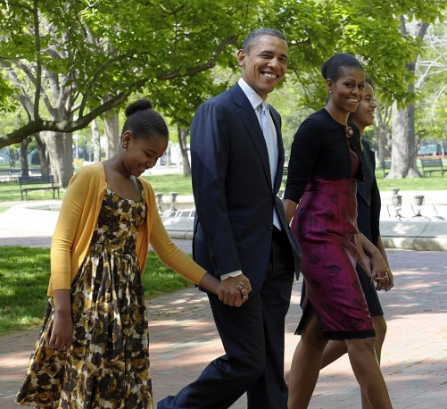 """After moving to the White House, Michelle started calling herself """"Mom-in-Chief"""""""