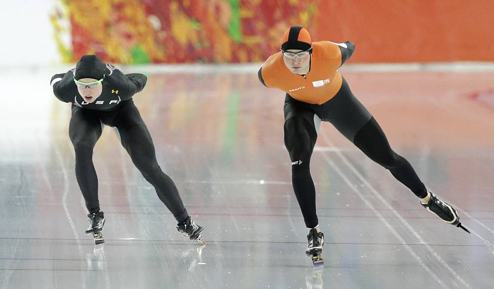 Jonathan Kuck of the U.S., left, and Sven Kramer of the Netherlands