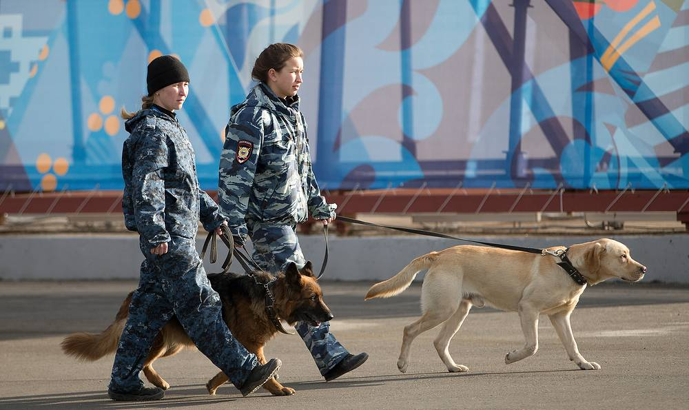 Members of the Russian security forces