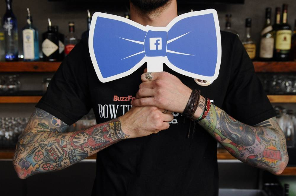 A Facebook-inspired bowtie