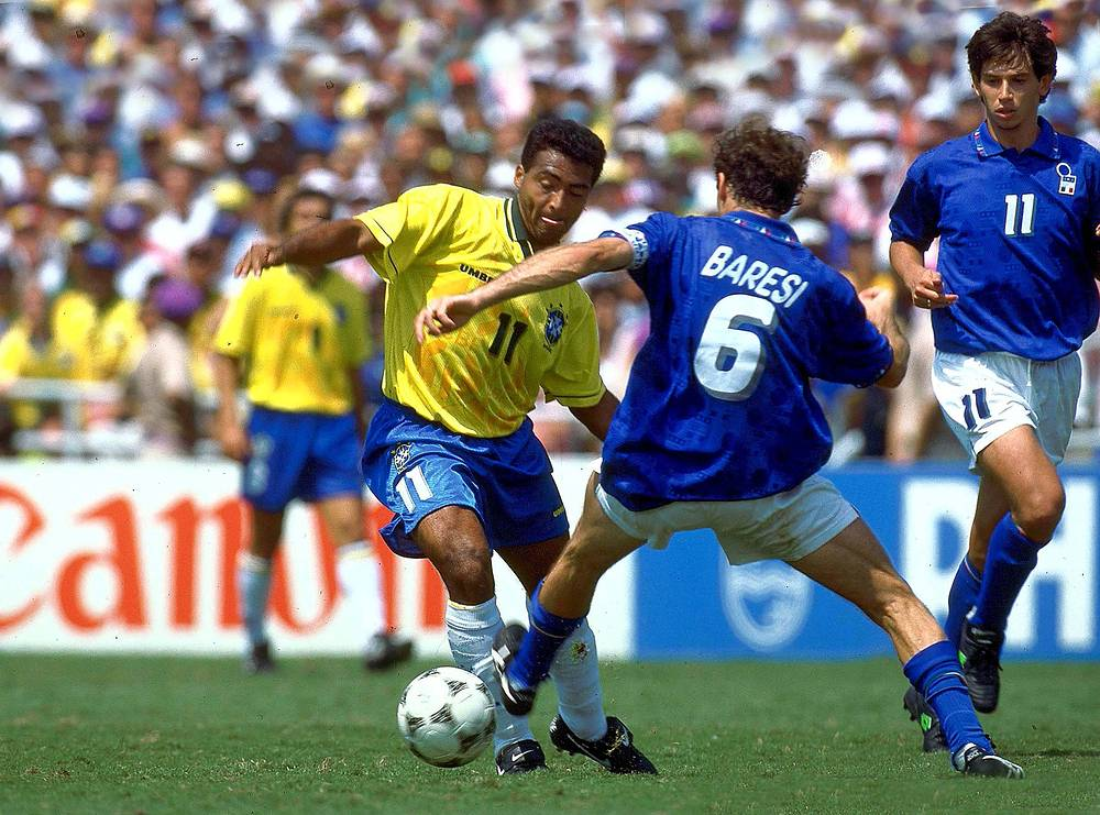 In 1994, the World Cup took place in the USA. In the final, Brazil beat Italy 3-2. Photo: Brazil's Romario (center) is challenged by Italian defender Franco Baresi