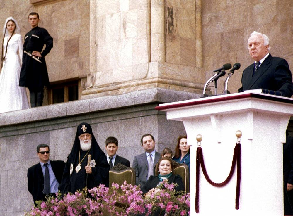 Eduard Shevardnadze during his inauguration ceremony in 2000