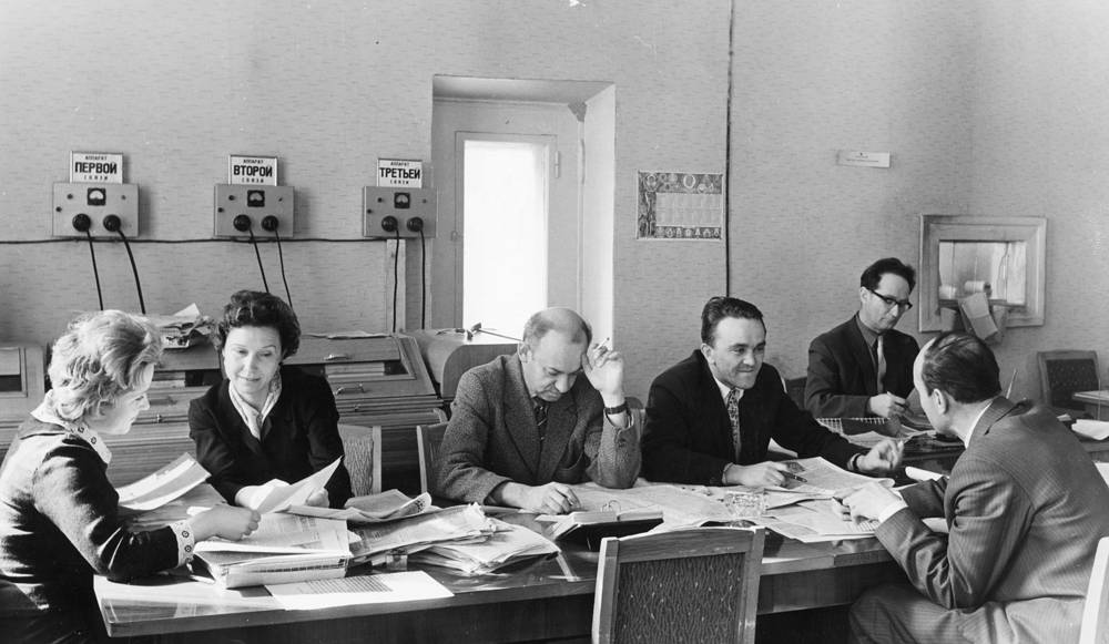Main desk of foreign information editorial at TASS, 1967