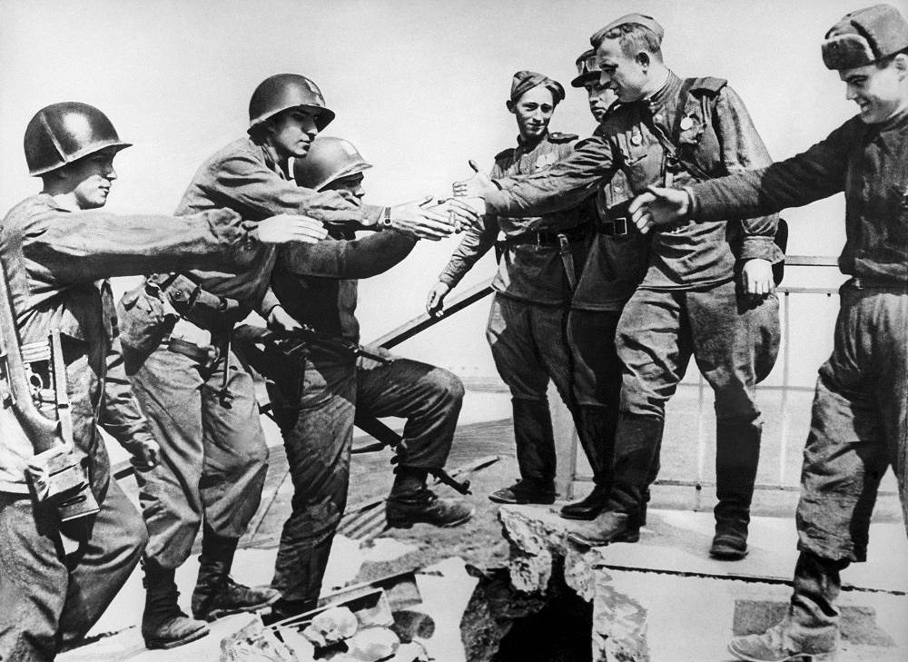 Meeting of Soviet and American soldiers on the Elbe, 1945