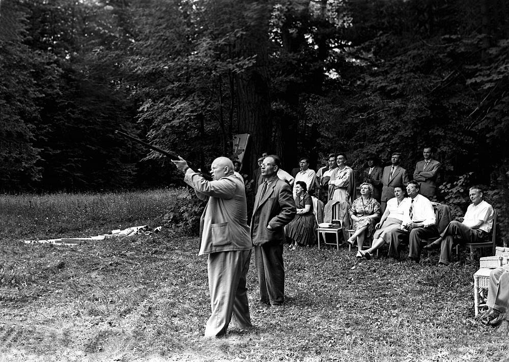 Nikita Khrushchev at his countryhouse in Zavidovo with a delegation from Czechoslovakia, 1963