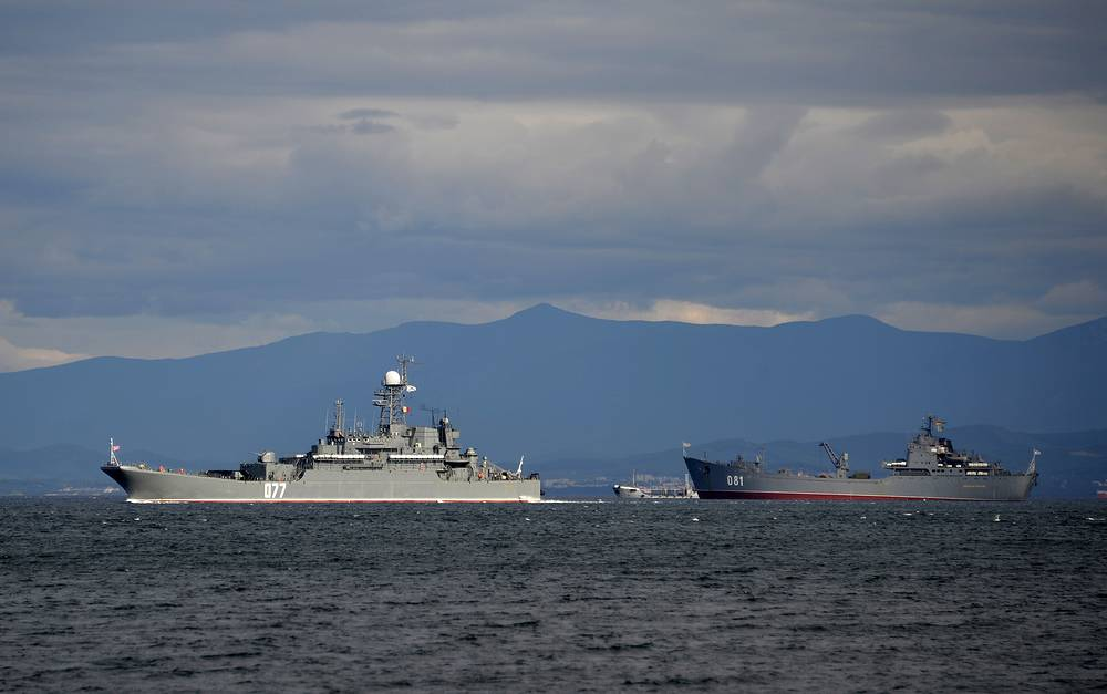 The Peresvet and the Nikolai Vilkov amphibious ships during the snap check