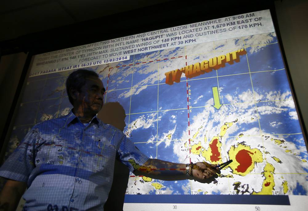 Philippine authorities on December 3 began to evacuate coastal areas that could be hit by storm surges from a powerful cyclone barrelling towards the country's eastern coast. Photo: Digital path of Typhoon Hagupit , Philippines, 03 December 2014
