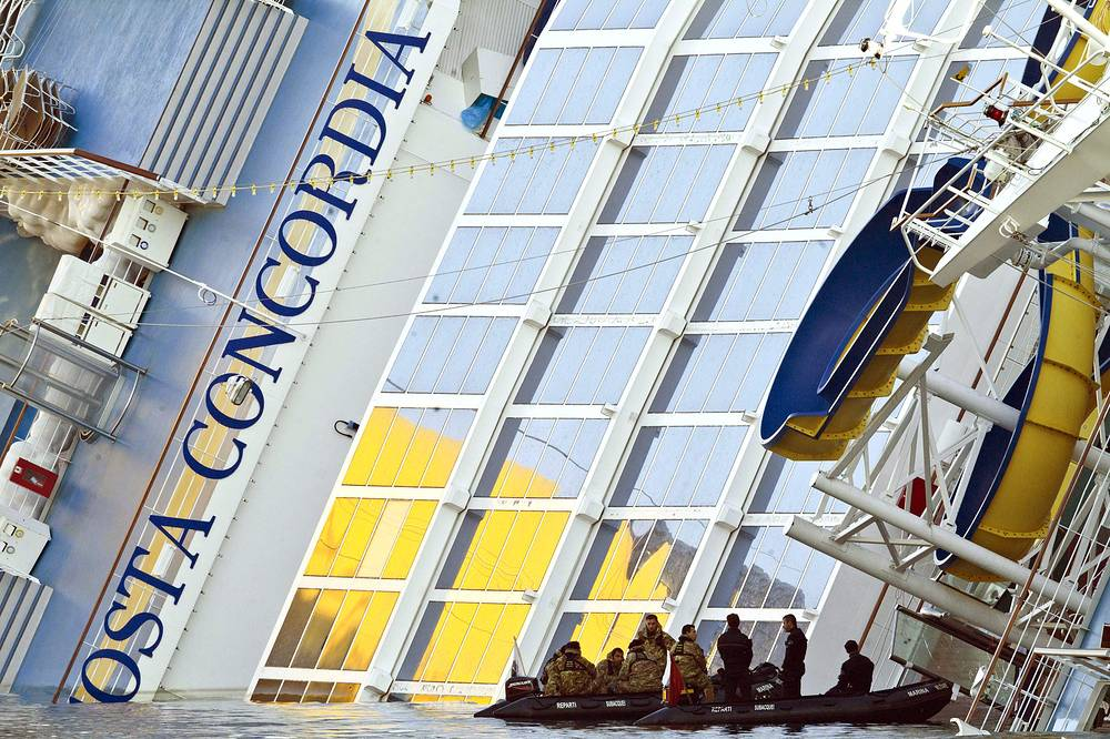 Costa Crociere paid 11 thousand euro to all passengers of the crashed cruise liner