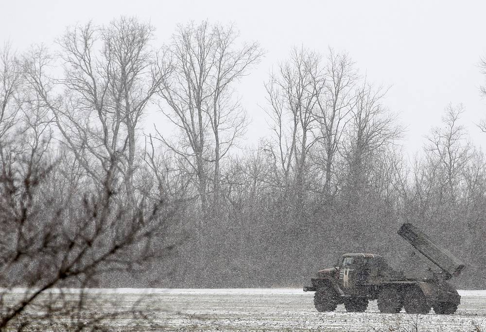 Ukrainian military hardware seen near Debaltseve