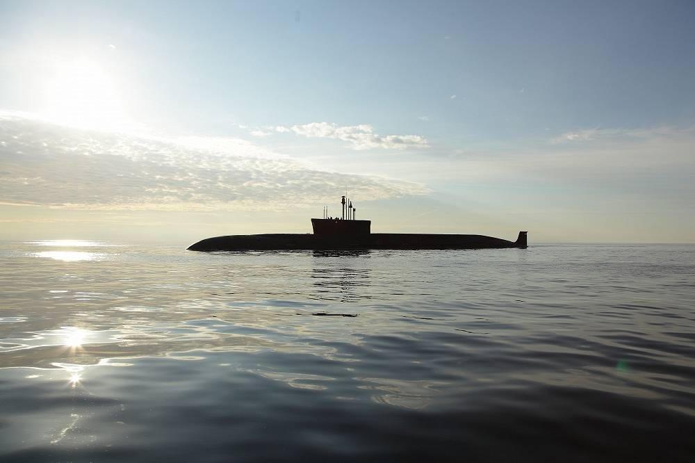 The Borei claims to be a state-of-the-art submarine, featuring characteristics superior to any submarine currently in service, such as the ability to cruise silently and be less detectable to sonar. Each submarine can be armed with 12 ICBMs with MIRVs