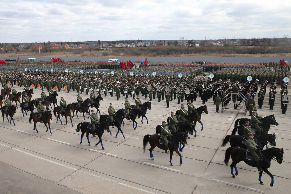 Troops rehearsing for the parade at the Alabino range in the Moscow Region