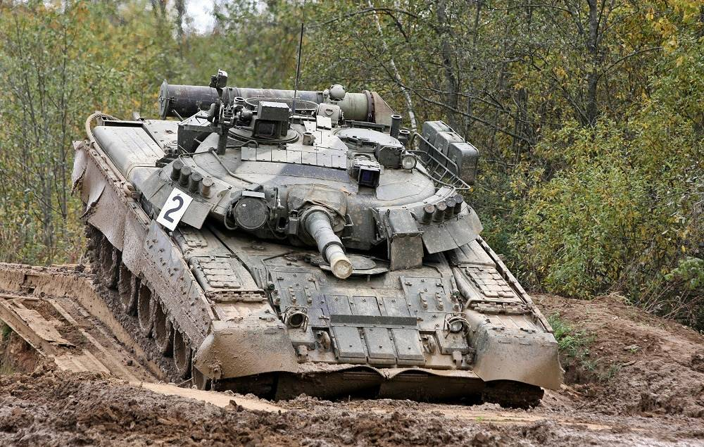T-80U is main battle tank of T-80 family. It became the world's first tank with a gas turbine engine.