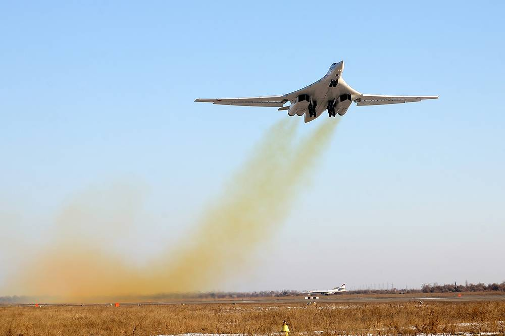 Tu-160 nicknamed White Swan among Russian airmen is a supersonic heavy strategic bomber. It entered service in 1987.