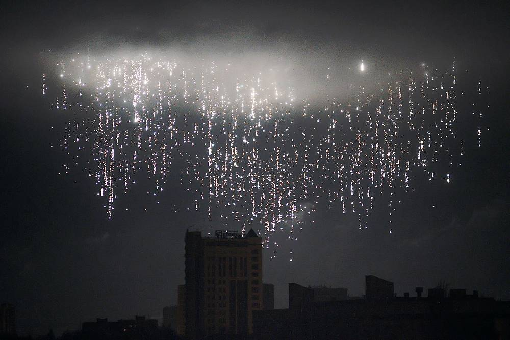 A shell bursts in the sky over the city of Donetsk, Eastern Ukraine, February 5, 2015