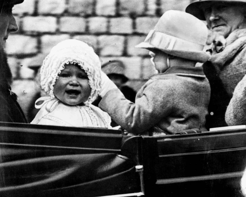 Little Princess Elizabeth with her cousin, the honourable Gerald Lascelles, son of Princess Royal, 1927