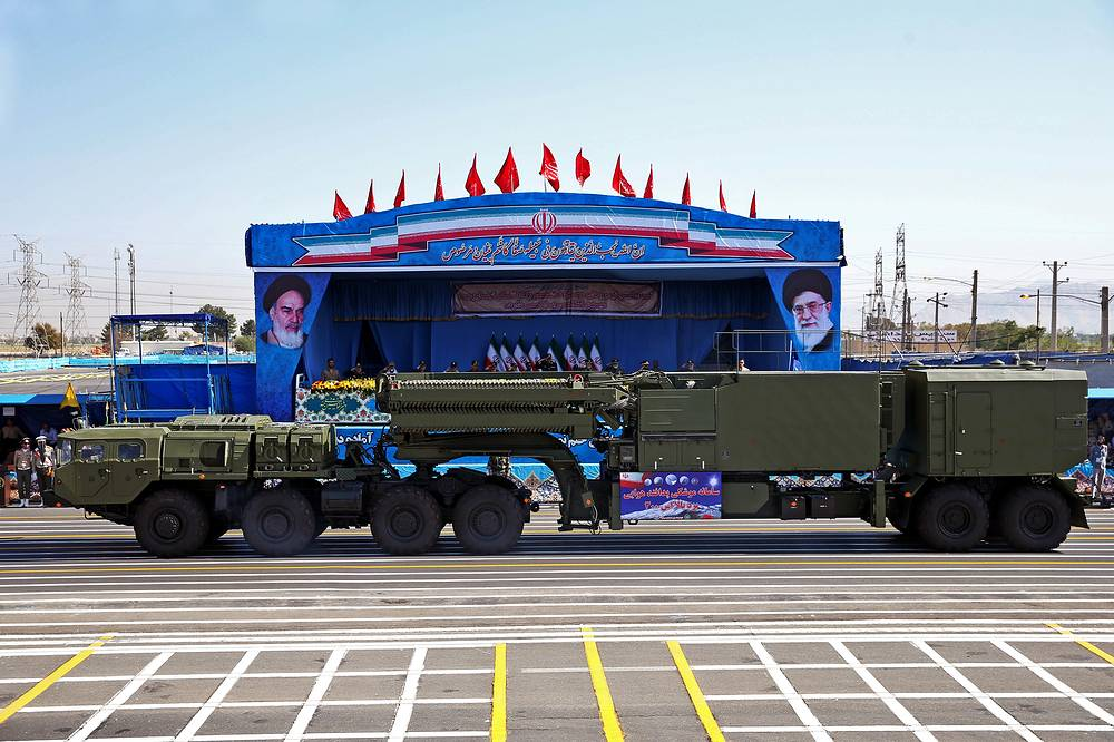 S-300 (NATO reporting name SA-10 Grumble) missile defense system in front of the shrine of Ayatollah Khomeini in Tehran