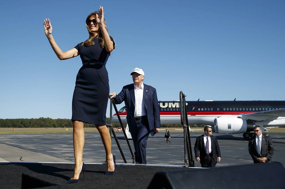 Melania and Donald Trump arrive for a campaign rally in Wilmington, Nov. 5, 2016