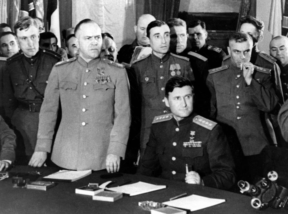 Under Zhukov's leadership, Red Army troops successfully defended Moscow and won victories at Stalingrad and Berlin. Photo: Soviet Marshal Georgy Zhukov at the ceremony of signing of the declaration of surrender of Nazi Germany, 1945