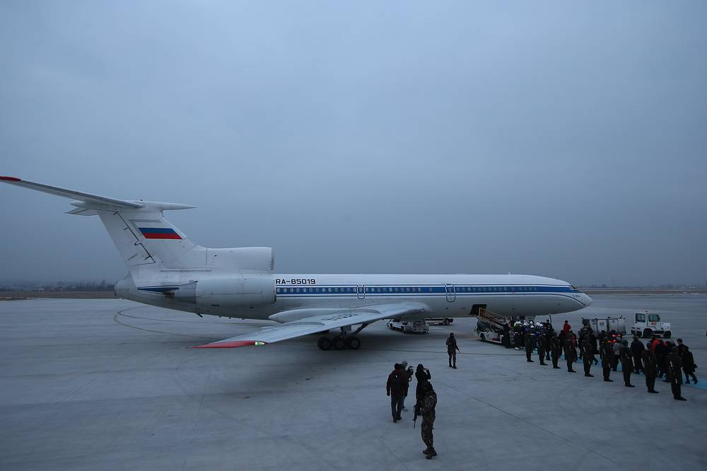 A Russian plane prepares to receive the coffin of Russian Ambassador to Turkey, Andrei Karlov
