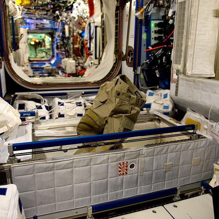 Pants of the astronaut Thomas Pesquet, daily life aboard the ISS