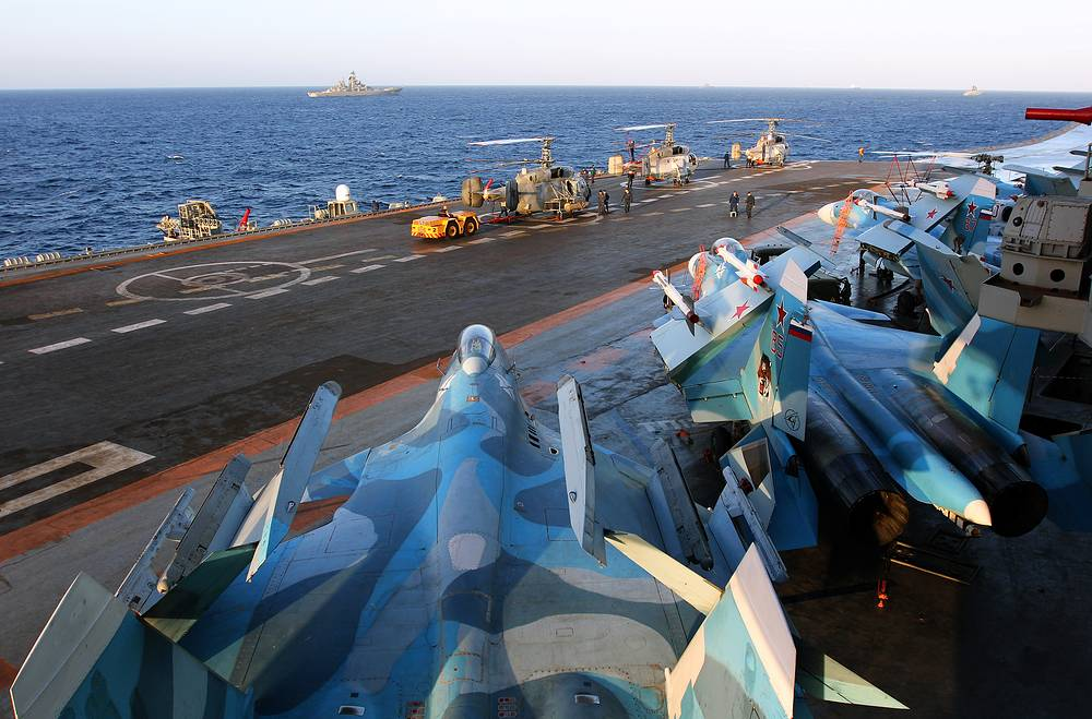 Sukhoi Su-33 aircraft on Russia's Admiral Kuznetsov aircraft carrier, October 28, 2016