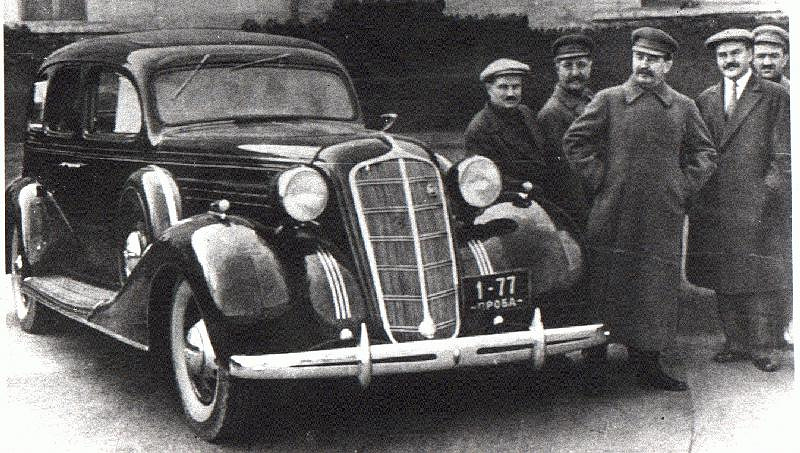 In 1931 the factory was re-equipped and changed its name to Automotive Factory No. 2 Zavod Imeni Stalina (ZIS). Photo: Ivan Likhachov (ZIS director), Grigory Ordjenikidze, Josef Stalin and Vyacheslav Molotov standing next to the first ZIS car, model 101, 1936