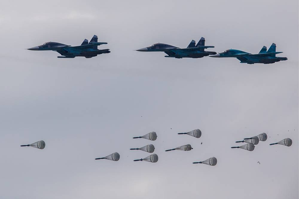 Sukhoi Su-34 fighter jets release FAB-250 high explosive bombs