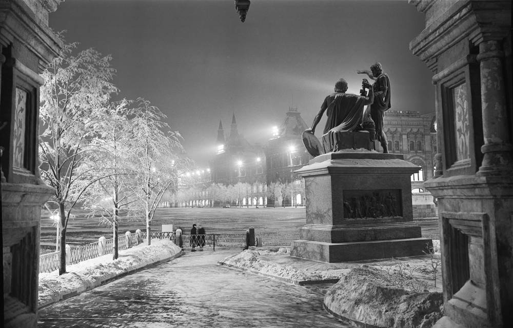 The monument to Minin and Pozharsky on Red Square, 1961