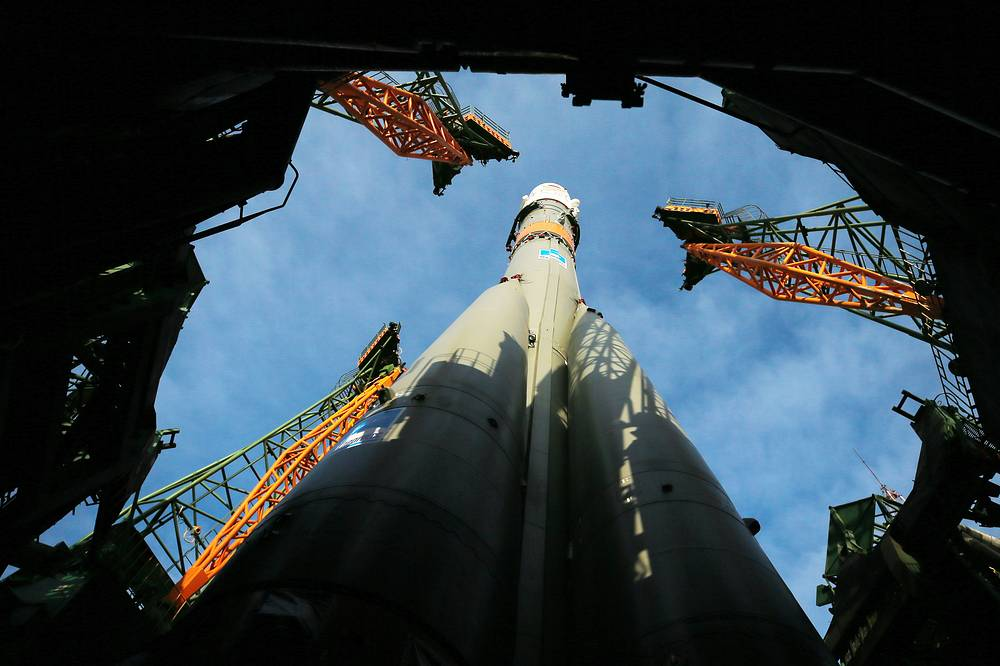 A Soyuz-FG rocket booster carrying the Soyuz MS-08 spacecraft being installed on a launch pad at the Baikonur Cosmodrome, March 19. Soyuz MS-08 spacecraft carrying Roscosmos cosmonaut Oleg Artemyev and NASA astronauts Andrew J. Feustel, Richard Arnold was launched on March 21