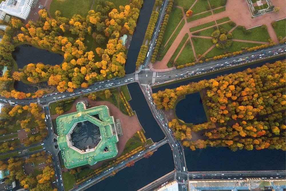 An aerial image of Mikhailovsky Castle, Mikhailovsky Garden, the Summer Garden and the Field of Mars, the Fontanka River and the Moika River in central St Petersburg