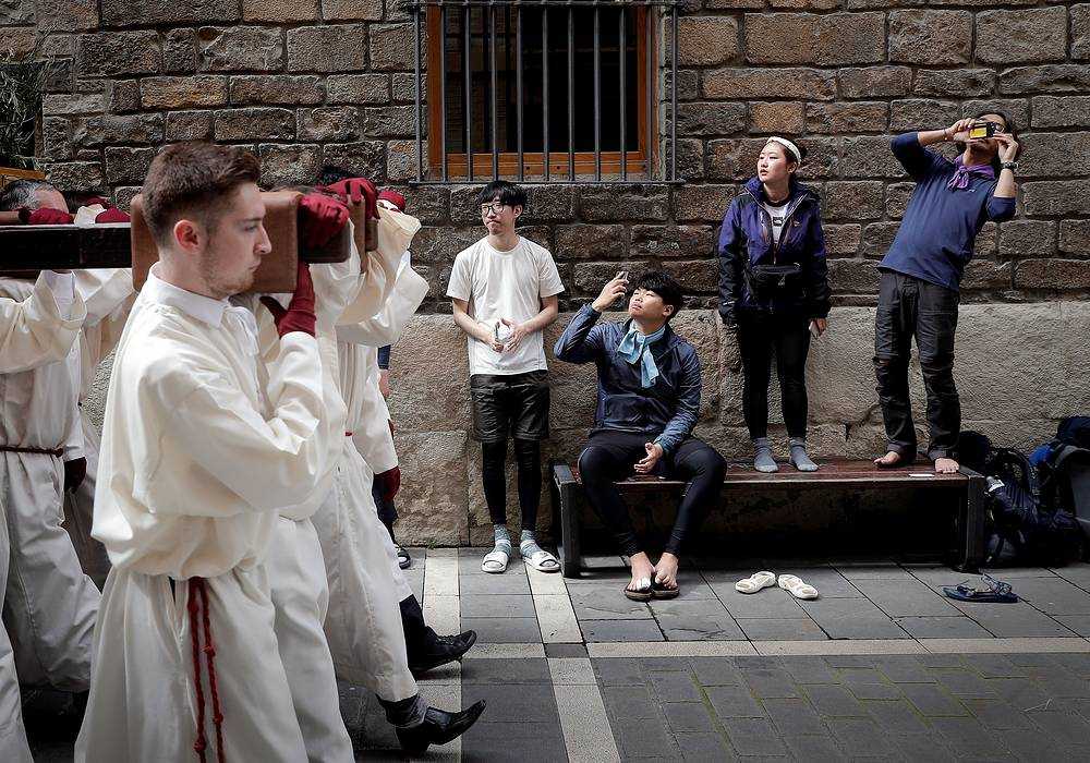 Hundreds of processions take place throughout Spain during the Easter Holy Week. Photo: Holy Week celebrations in Pamplona, Navarra