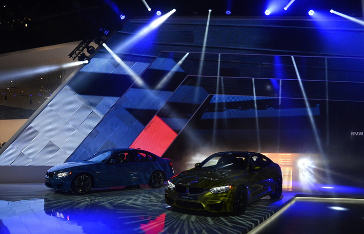 BMW M3 (L) and BMW M4 (R)