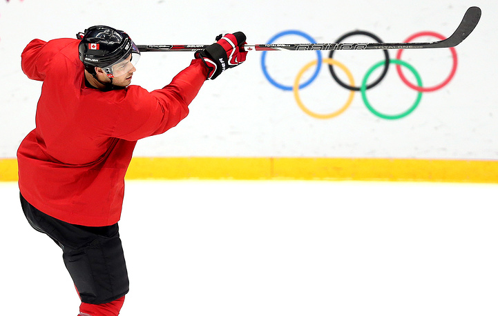 Canadian ice hockey training session ahead of Sochi Olympics