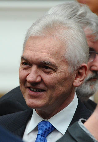 Gennady Timchenko. When sanctions were imposed, Timchenko was a co-owner of the oil traiding company Gunvor, but as soon as the list was published, he announced he had sold all his shares the previous day