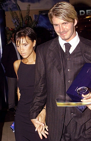 On July 4, 1999, she married the famous soccer player David Beckham. Photo: Victoria and David Beckham, 1999