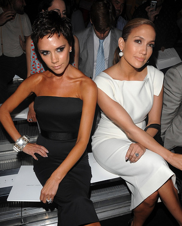 Jennifer Lopez and Victoria Beckham at New York Fashion Week in 2009