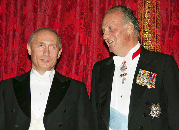 King Juan Carlos with Vladimir Putin in 2006