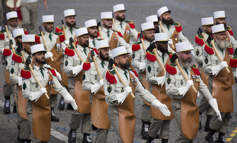 French troops of the Pionneers of the 1st Foreign Regiment