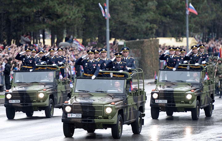 Photo: military parade in Belgrade, 16 October 2014