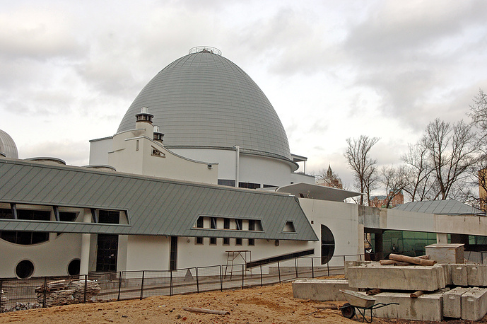 The reconstruction of the Planetarium lasted for about 16 years. As a result its area increased almost six times