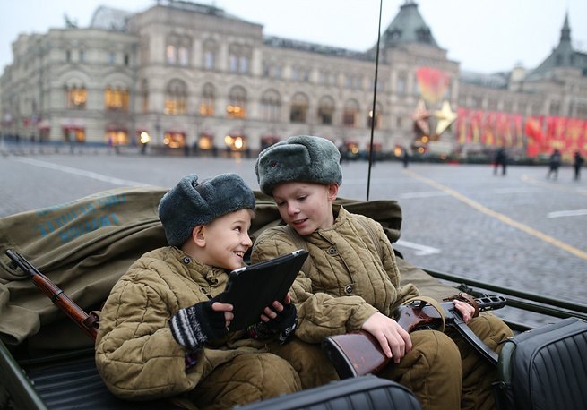 Photo: Participants of the march on the Red Square, November 7, 2014
