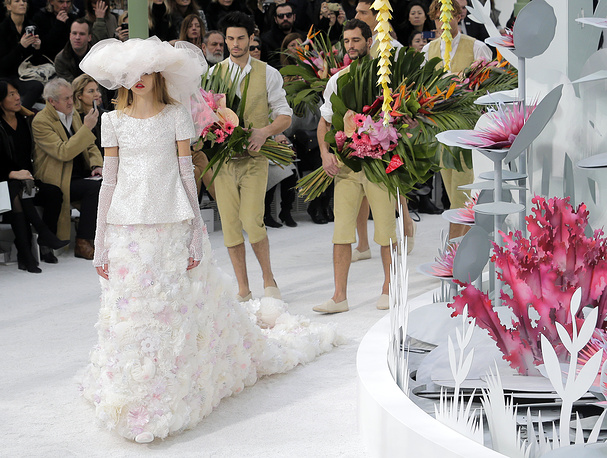 Chanel 's Spring-Summer 2015 Haute Couture fashion collection, presented in Paris, January 27, 2015