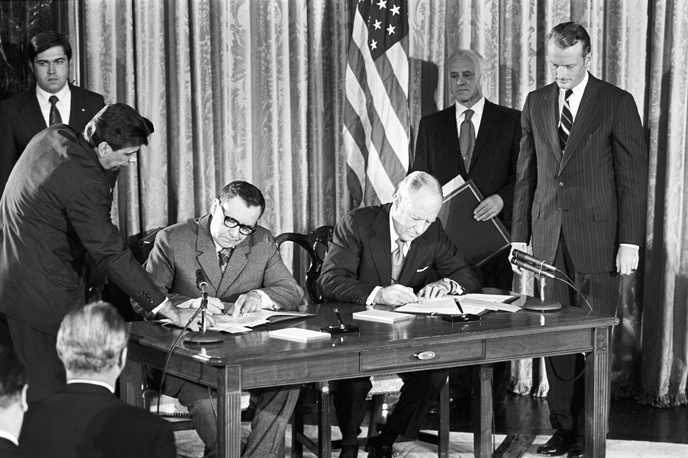 Among his achievements were the signing of the Partial Test Ban Treaty in 1963, the Treaty on the Non-Proliferation of Nuclear Weapons in 1968, the ABM Treaty and SALT I, as well as the Agreement on the Prevention of Nuclear War in 1973. Photo: Soviet Foreign Minister Andrei Gromyko and US Secretary of Agriculture Earl Butz, 1973