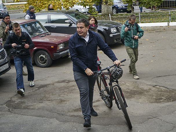 Odessa region governor Mikheil Saakashvili at a polling station