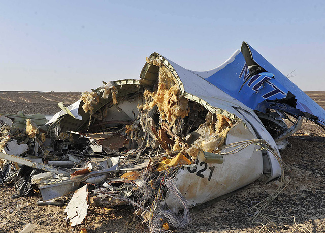 Airbus A321 crash in Egypt killing 224 people on board on October 31, 2015. Photo: The debris from the crashed Russian, Sinai, Egypt