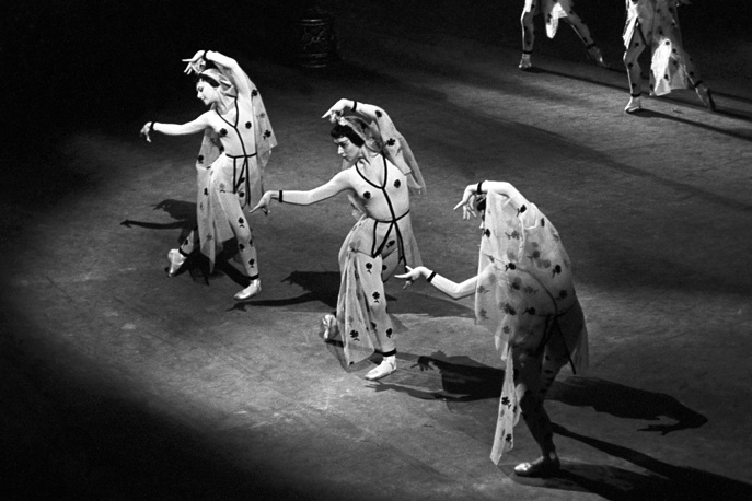 A dance of Shireen's friends in Arif Melikov's ballet A Legend of Love, 1965