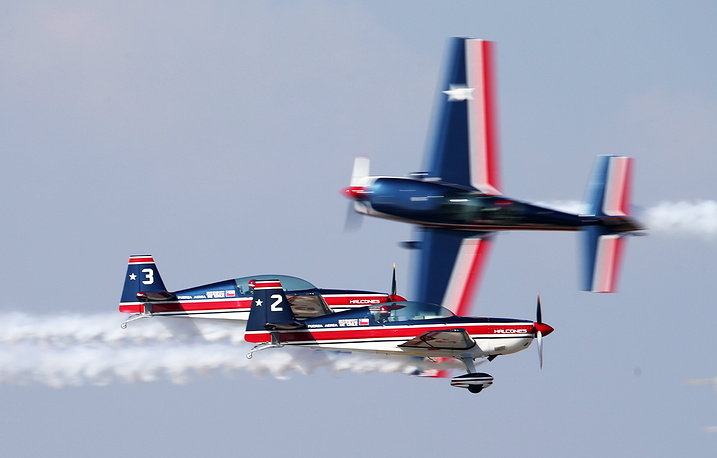 The aviation group Chile 'Halcones' demonstrating  aerobatic maneuvers